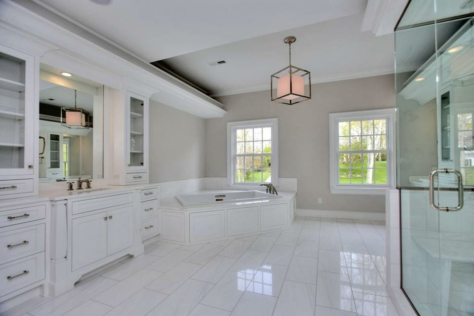 transitional-master-bath